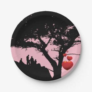 Prato De Papel Preto rosa vermelha da árvore do coração da árvore