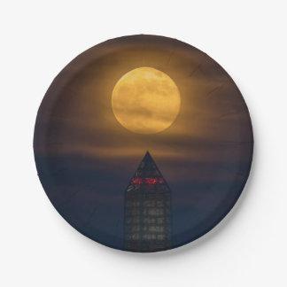 Prato De Papel Supermoon sobre o monumento de Washington
