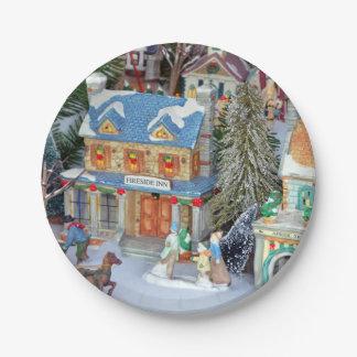 Prato De Papel Vila diminuta do Natal