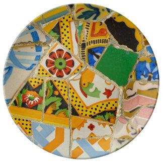 Prato De Porcelana Azulejos amarelos de Parc Guell na espanha de