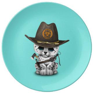 Prato De Porcelana Caçador bonito do zombi de Cub do leopardo de neve