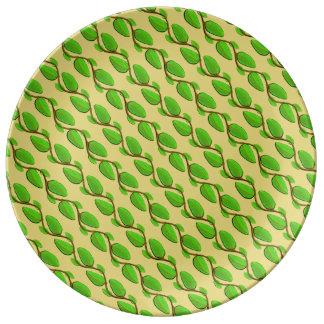 Prato De Porcelana Camada de folhas por Kenneth Yoncich