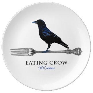Prato De Porcelana Comendo a placa decorativa do corvo