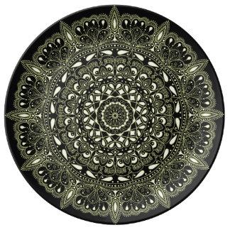 Prato De Porcelana Mandala preta e amarela do desenhista por oásis