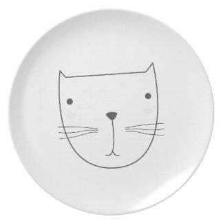 Prato Design bonito do gatinho no branco