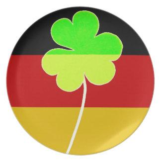 Prato Divertimento alemão irlandês de St Patrick do