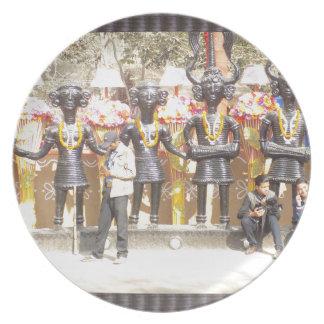 Prato Estátua cultural da mostra de India de artistas