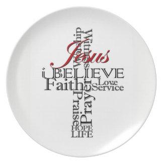 Prato eu acredito a placa cristã da fé