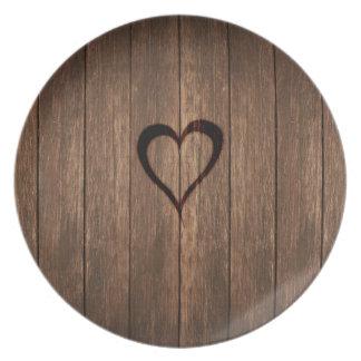 Prato Madeira rústica impressão queimado do coração