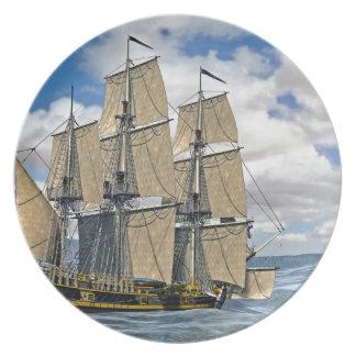 Prato Navigação preta do navio de Corveta em um dia