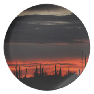 Prato Nuvens pretas na placa da melamina de Orion