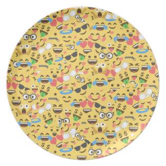 Prato o amor bonito do emoji ouve o teste padrão do riso