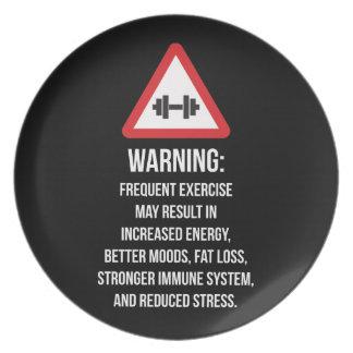 Prato O exercício beneficia - advertindo - o exercício