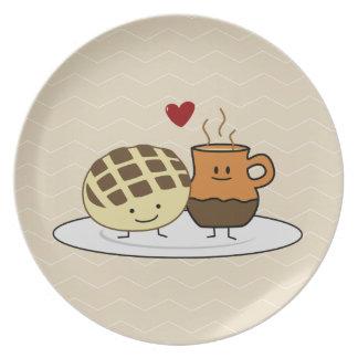 Prato O pão doce e o chocolate quente filtram o mexicano