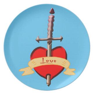 Prato o punhal do amor perfurou o coração