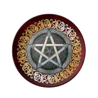 Prato O ritual medieval vermelho da feitiçaria do rubi