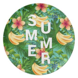 Prato O texto tropical do verão na banana floresce o
