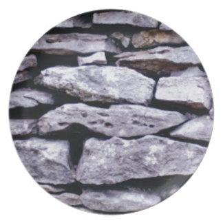 Prato parede empilhada da rocha
