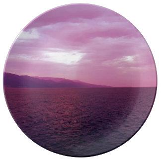 Prato Placa encantador do mar