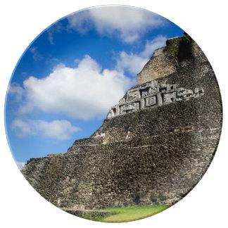 Prato Ruína maia de Xunantunich em Belize
