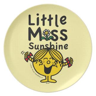 Prato Senhorita pequena pequena Luz do sol Riso da