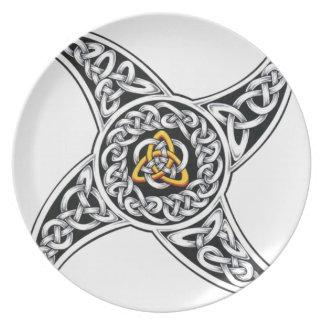 Prato símbolo dos céltico-guerreiros