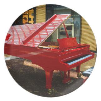 Prato Simplesmente vermelho: piano de cauda