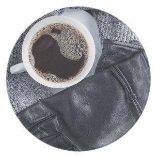 Prato Vista superior de um copo branco com café
