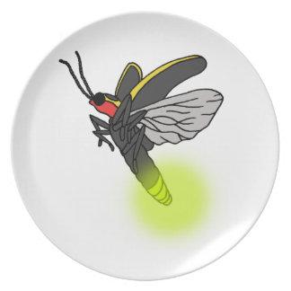 Prato vôo 2 do inseto de relâmpago iluminado