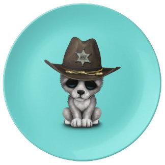 Prato Xerife bonito do lobo do bebê