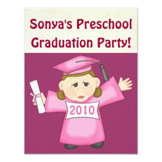 Pré-escolar das meninas/festa de formatura do convites personalizado