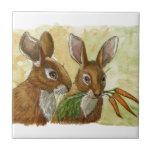 presente coelho-pequeno engraçado para você pelo s azulejo de cerâmica