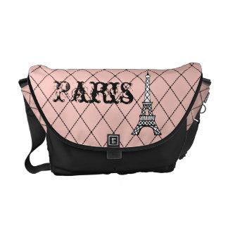 Presente cor-de-rosa da bolsa da bolsa mensageiro