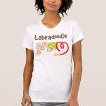 Presente da mamã da raça do cão de Labradoodle Camisetas