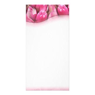 Presente de casamento cor-de-rosa bonito da flor cartão com foto