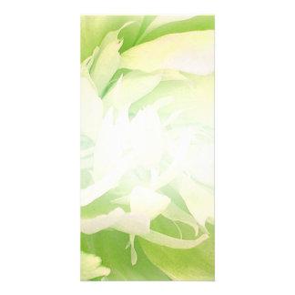 Presente de casamento floral esverdeado brilhante cartão com foto