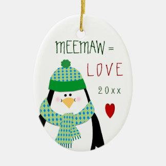 Presente do Natal do pinguim de MeeMaw do amor (ou Ornamento De Cerâmica Oval