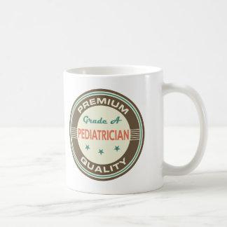 Presente (engraçado) superior do pediatra da caneca de café