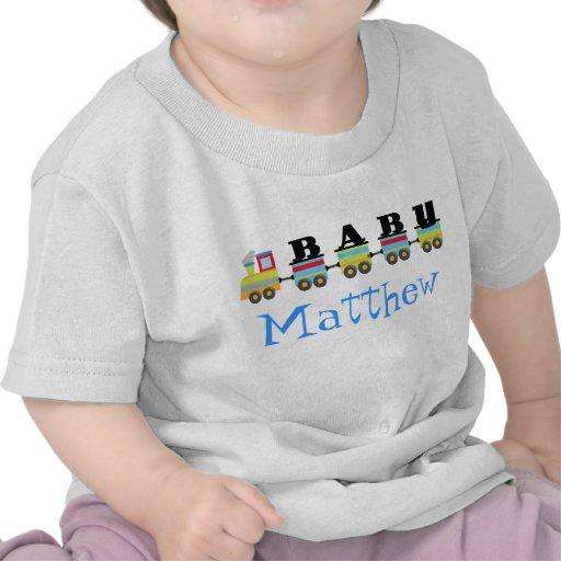 Presente personalizado do trem de Matthew do bebê Camisetas