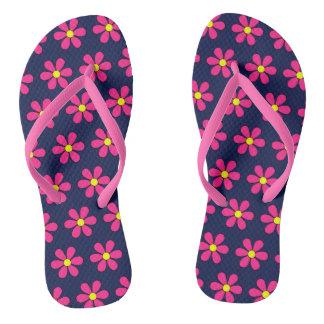 Presente retro das sandálias dos chinelos da