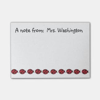 Presente vermelho das notas de post-it do joaninha post-it notes
