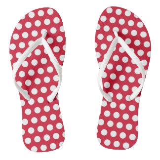 Presente vermelho retro das sandálias do verão dos