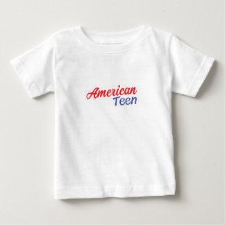 Presentes americanos adolescentes da camisa do