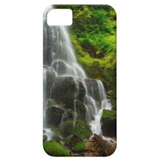 Presentes da cachoeira da floresta da natureza capa barely there para iPhone 5