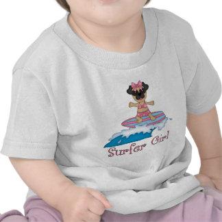 Presentes do Pug da menina do surfista e camisetas