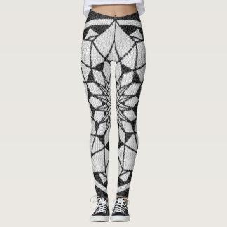 Preto & branco de confecção de malhas da mandala leggings