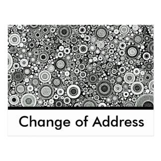 Preto & branco modela a mudança de | de endereço cartão postal