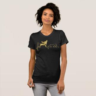 Preto da camiseta da chihuahua da folha de ouro