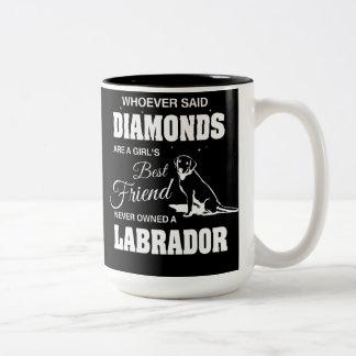 Preto de Labrador dos diamantes caneca do Dois-Tom