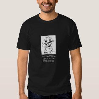 Preto do t-shirt com logotipo do rato KOWS de